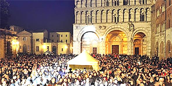 """Lucca: dalle ore 22 del 31 si festeggia<br>in TV la """"Festa di Capodanno in Piazza"""""""